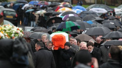 This photo gives an idea of the large crowd that defied the pouring rain to accomany Dolours on her final journey.