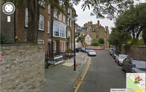 A street scene in Swan Walk, Chelsea, the address given by John  Wyman. This is a screen grab from a Google maps street view.